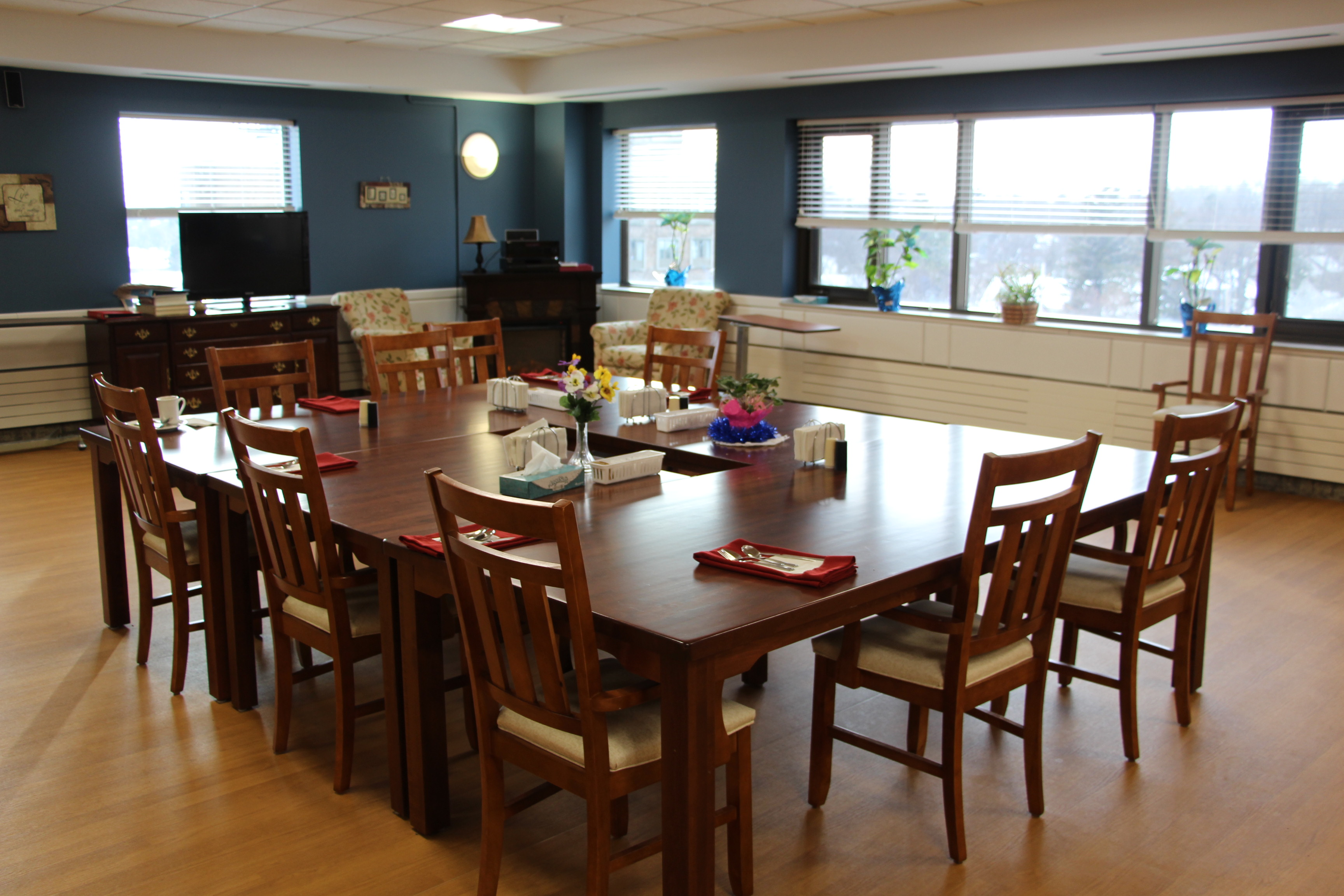 Dr eleanor barbera my better nursing home for Nursing home dining room ideas